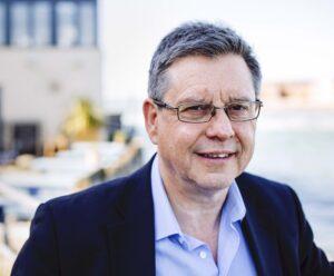 Photo of Professor Gordon Blunn